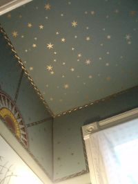 stars on ceiling...would look great in a nursery ...