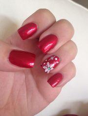 red christmas nails snowflake