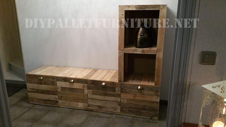 Meubles pour le salon construite de planches de palettes