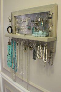 25+ Best Ideas about Diy Jewelry Holder on Pinterest | Diy ...