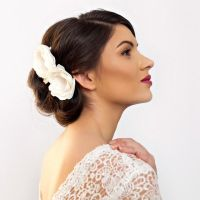 Best 25+ Flower hair pieces ideas on Pinterest ...