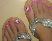 toenail design - pink nails