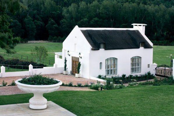Best 25 White stucco house ideas on Pinterest  Mediterranean house exterior Mediterranean