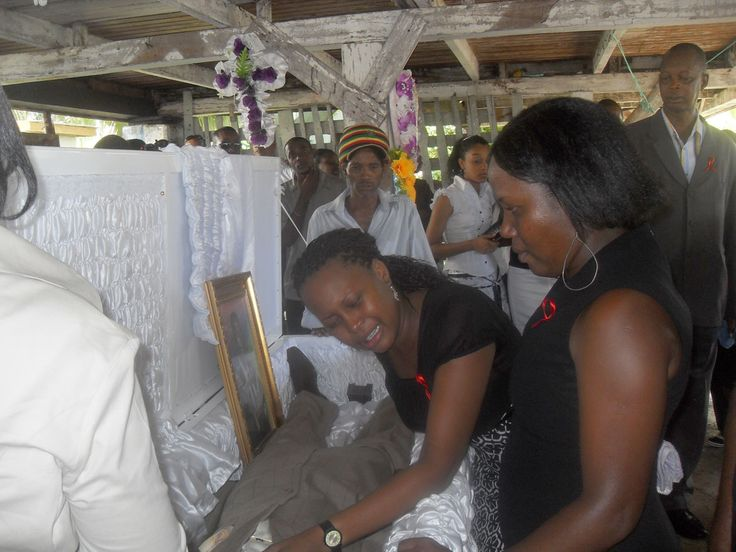 Bob Marley in His Casket  Bob Marley His Casket Pictures  MARLEY FAMILY  Pinterest