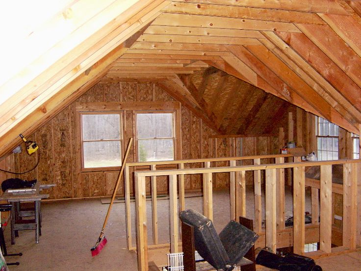 Bonus Room Loft Over Garage (stairs Up The Middle To