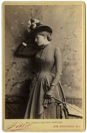 Beautifully styled, great pose. x HCora Urquart Brown-Potter, American stage actress - c. 1880s SyTyCs.: