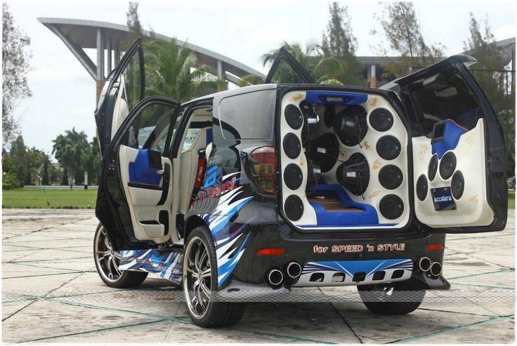 Gambar Foto Modifikasi Mobil Toyota Rush  Carstren