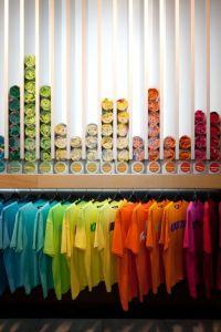 25+ best ideas about Shirt displays on Pinterest | Tshirt ...