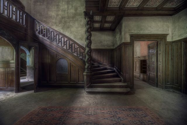 I adore the staircase in this lovely abandoned mansion