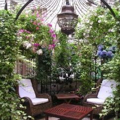Small Outdoor Patio Table And Chairs Purple Velvet High Back Chair Hotel Nicolo   Courtyards, Courtyard Gardens Hotels