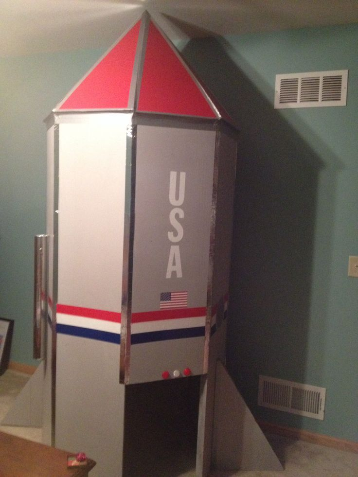 Rocket Ship Playhouse Plans  WoodWorking Projects  Plans