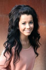 volumized loose curls hair styles
