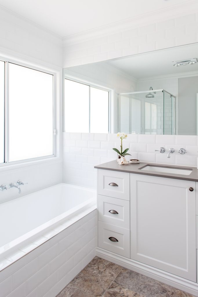 25 Best Ideas About Hampton Style Bathrooms On Pinterest