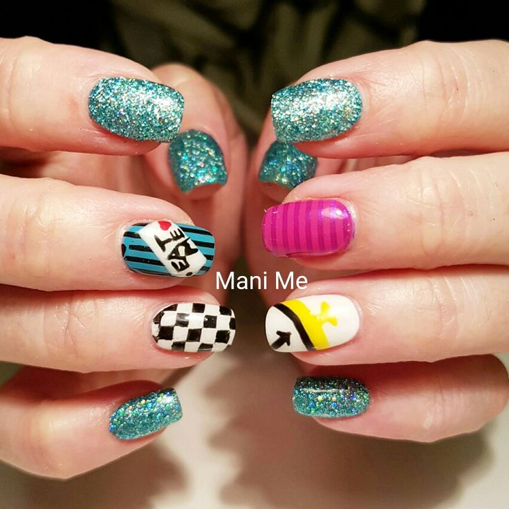 25+ best ideas about Alice In Wonderland Nails on