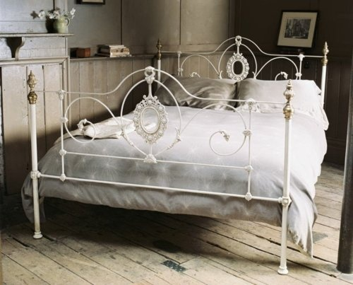 1000+ Ideas About White Iron Beds On Pinterest