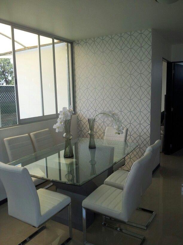 Departamento moderno decorado en tonos gris y blanco