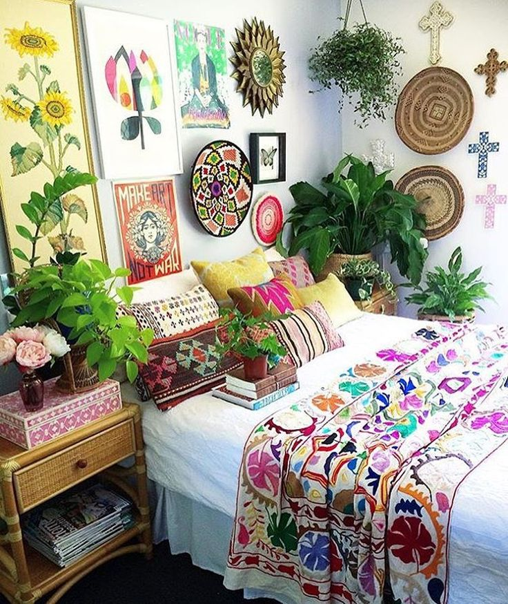 25 best ideas about Hippie bedrooms on Pinterest  Hippie room decor Hippy room and Hippy bedroom