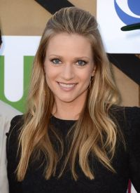 A.J. Cook.. Love her hair!!! | AJ Cook | Pinterest ...