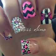 pink girly nail design. cute