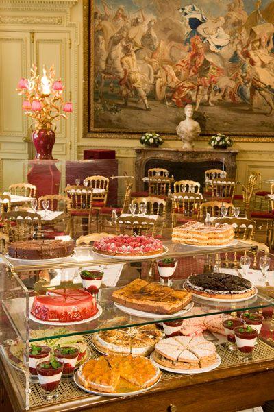 Jacquemart-André Café, the eponymous Musée café, is one of the most beautiful tearooms in Paris.