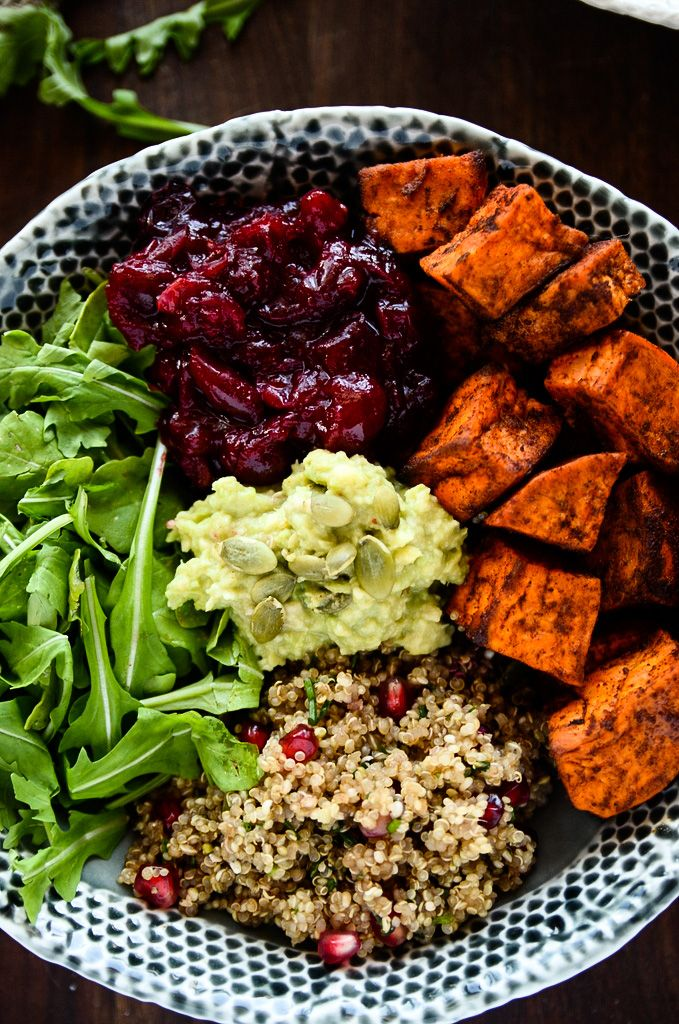 Grab-N-Go Sweet Potato, Cranberry and Quinoa Power Bowl | The perfect prepare-ahead meal that's packed with protein, vitamins +