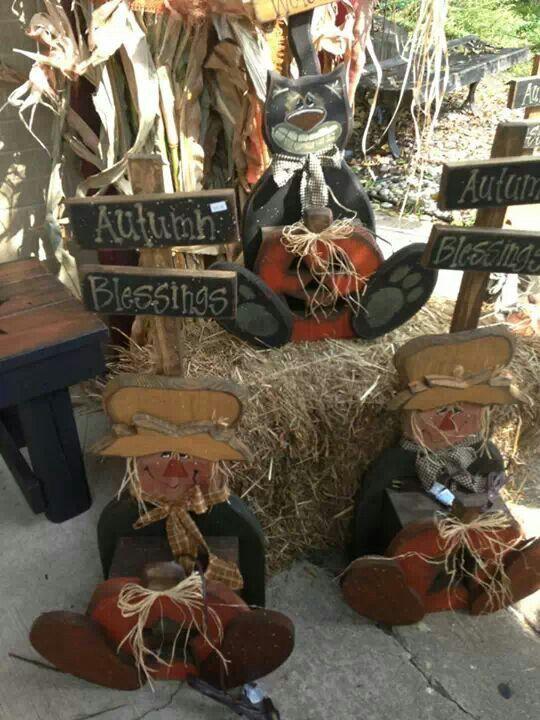 Best 25 Wood Scarecrow Ideas On Pinterest