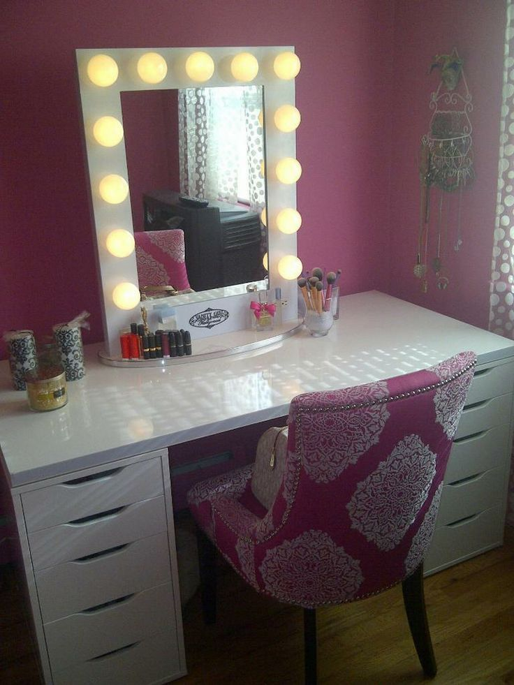 17 Best ideas about Vanity Table With Lights on Pinterest