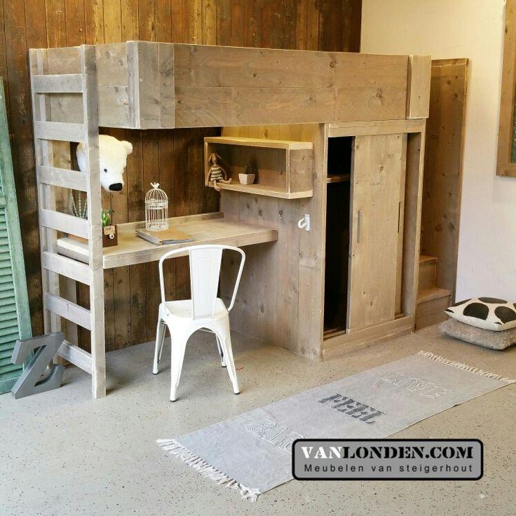 Hoogslaper van steigerhout  Kast bureau en veilige trap