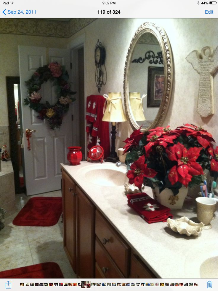 1000 images about Decorating the Bathrooms for Christmas