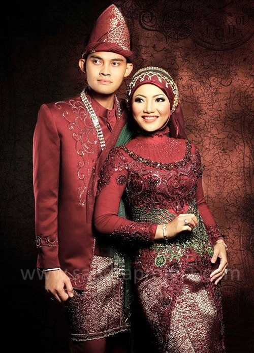 pasangan pengantin  Tata Rias  Busana Pengantin
