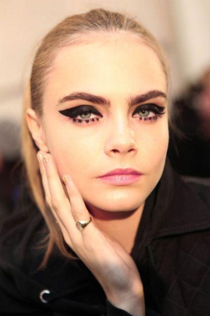 dots eyeliner