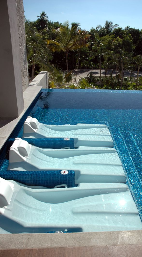 39 best images about Cool water beds on Pinterest  Lounge areas Underwater and Pools