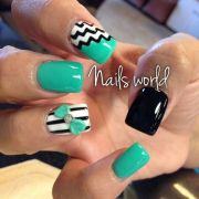 mint & black nails