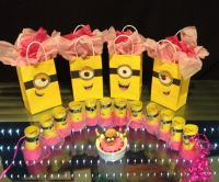 All of Alana's DIY girl minion birthday party stuff ...