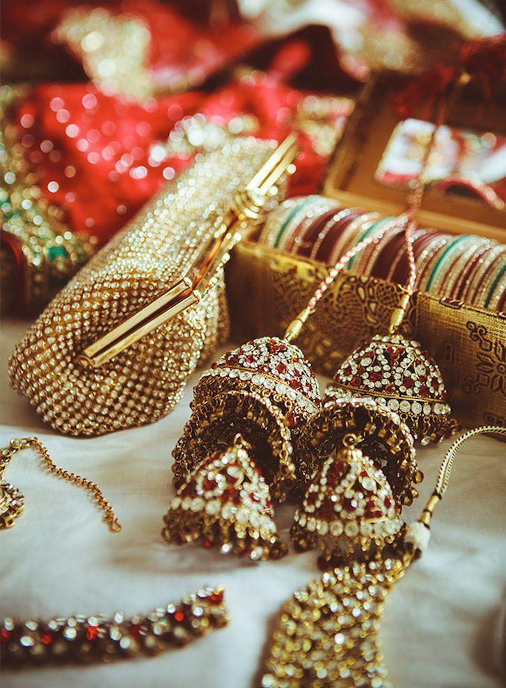 Indian bridal jewellery. Clutch, bangles - Useful Wedding Gift
