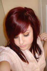 medium intense red hairstyles 2011