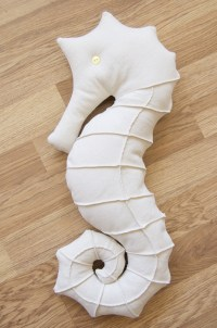 Seahorse pillow :) that can also be a stuff toy | Ideas ...