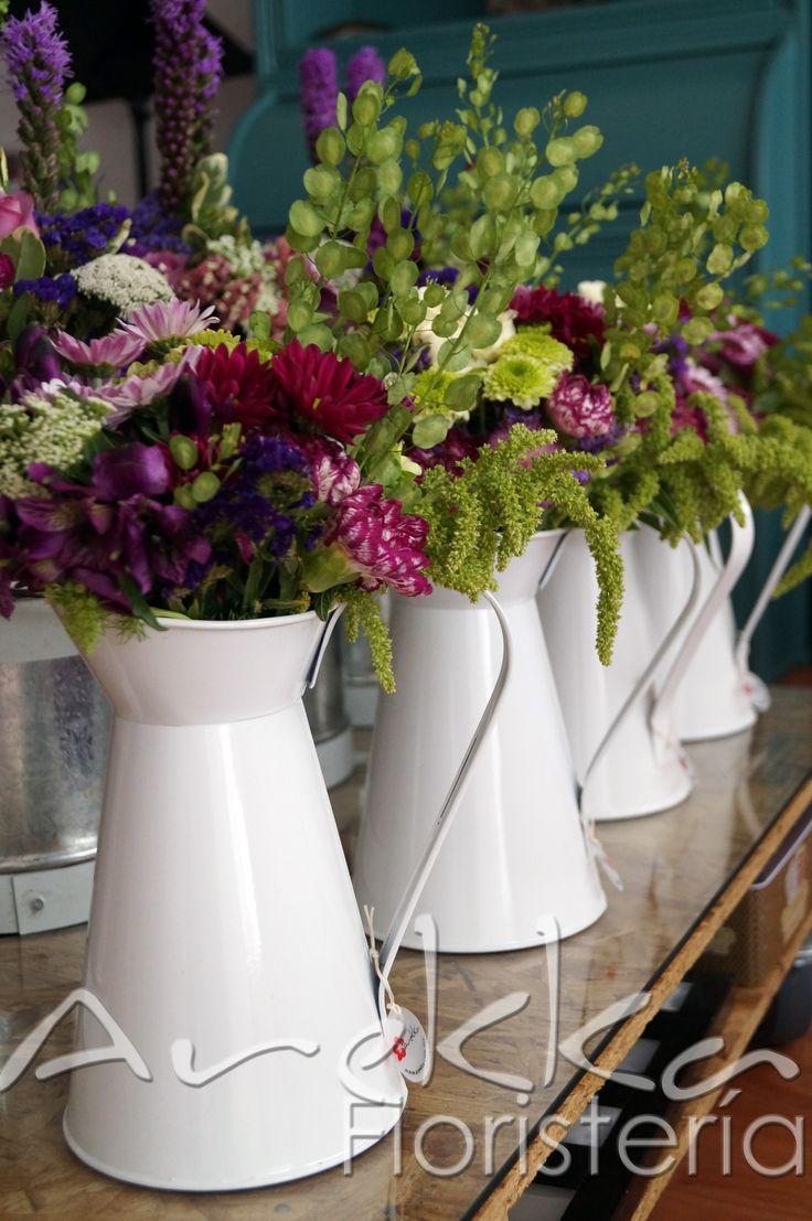 Centro de mesa Jarra de agua  Mix flores temporada