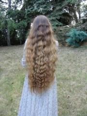 classic length wavy hair