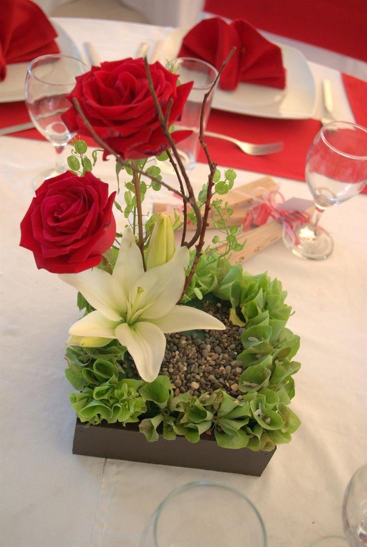 Rosas rojas en base de madera wwwpavorealdelrinconcom