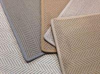 Classic chevron / herringbone pattern made of wool & jute ...