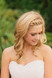 wedding day front braid. pretty