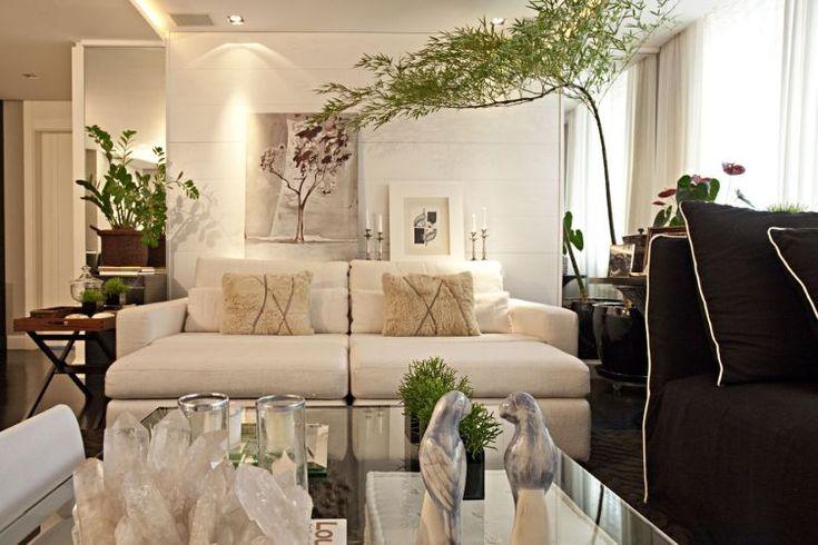 lovesac sofa covers cover material online india veja fotos do apê decorado em tons de cinza, vidros e ...
