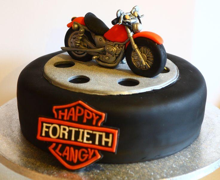 Sugarpaste Bike On A Cake Wheel! CAKES MOTOS Y