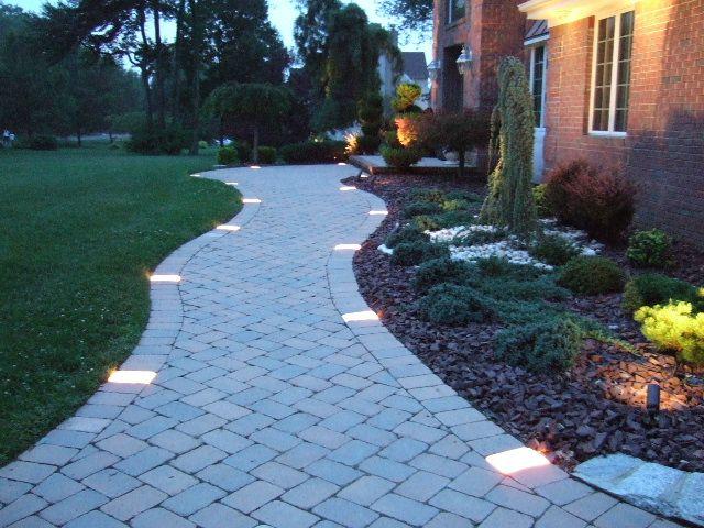 25 Best Ideas About Walkway Lights On Pinterest Solar Walkway