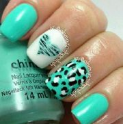 cute turquoise nail design. hate