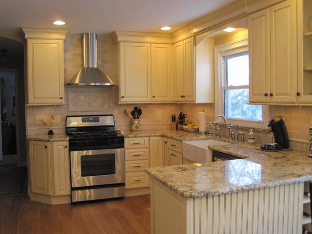 Small U-shaped Kitchen - Kitchens Forum
