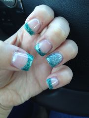 nails teal with silver
