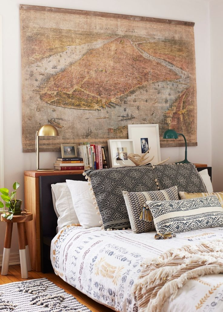 25+ best ideas about Bed without headboard on Pinterest