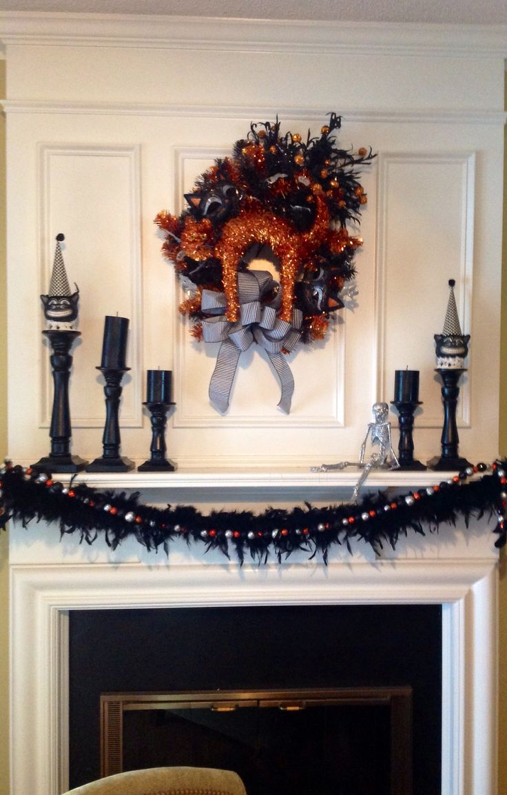 Halloween decorations, indoor, mantle